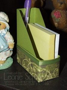 How cute is this?  Magazine holder, mini size to hold post it notes!