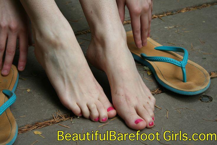Pin By Beautifulbarefoot On Beautiful Toes Beautiful Toes Pale Skin Barefoot