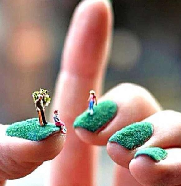 Grass nails! How unusual!