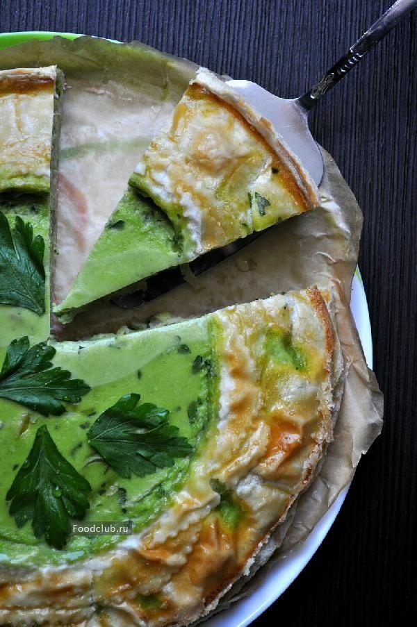 Зеленый пирог с беконом