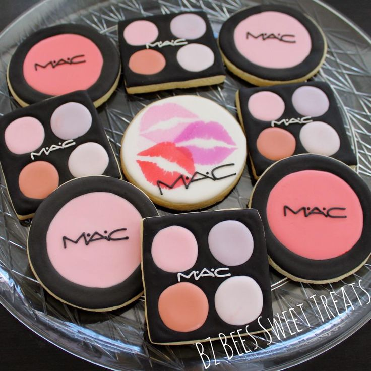 Makeup   Cookie Connection but with Younique :)