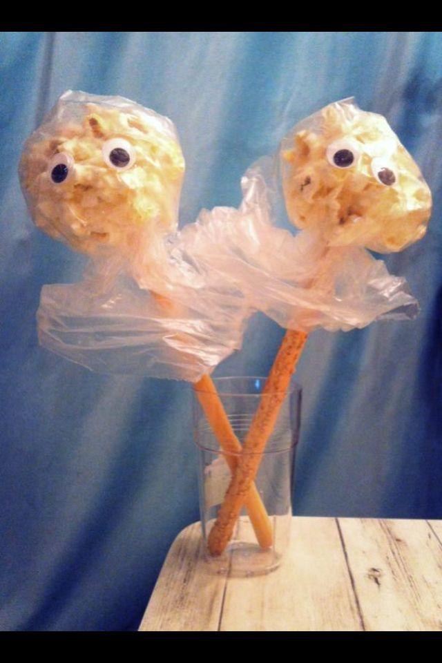 Traktatie spook Soepstengel (naturel + sesam) en popcorn!