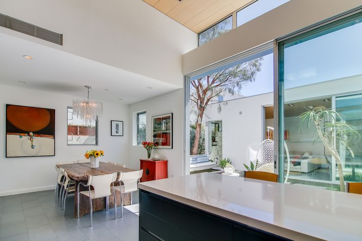 Pardee Properties - Modern, Sleek Space with Floor-to-Ceiling Sliders That Open to a Courtyard - Venice, CA