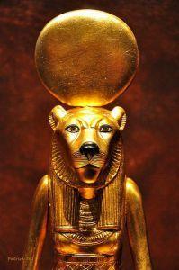 Sekmet diosa egipcia con cabeza de leona