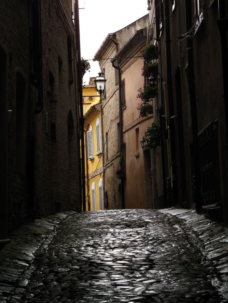 Fermo, southern part of Le Marche, Italy (YIP2)