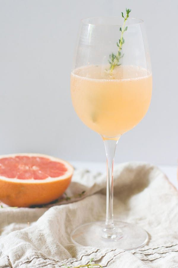 Best 25 prosecco cocktails ideas on pinterest cocktail for Easy fruity mixed drinks