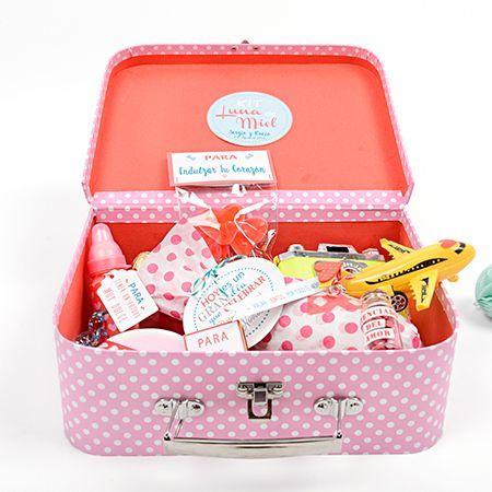 Kit luna de miel regalo original novios un regalo muy original para regalar a los novios - Que regalar en una boda ...