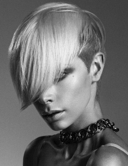 Rasato + frangia protagonista. #shorthair #haircut #capelli2014 #hairstyles #capellicorti