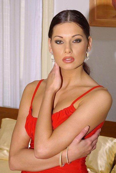 Ира, 32 года, Киев. Анкета: http://fotostrana.ru/user/72169991/