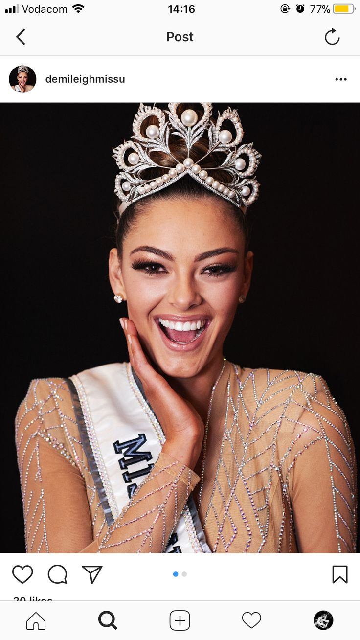 Miss Universe 2017 - Miss South Africa 👸🏻🇿🇦 So very proud of our beautiful queen 👑🇿🇦 Pinterest - gabsdematos  Instagram - gabrielladematos  #missuniverse #southafrica #misssouthafrica #crown #crowning #beauty #beautypageant #queen