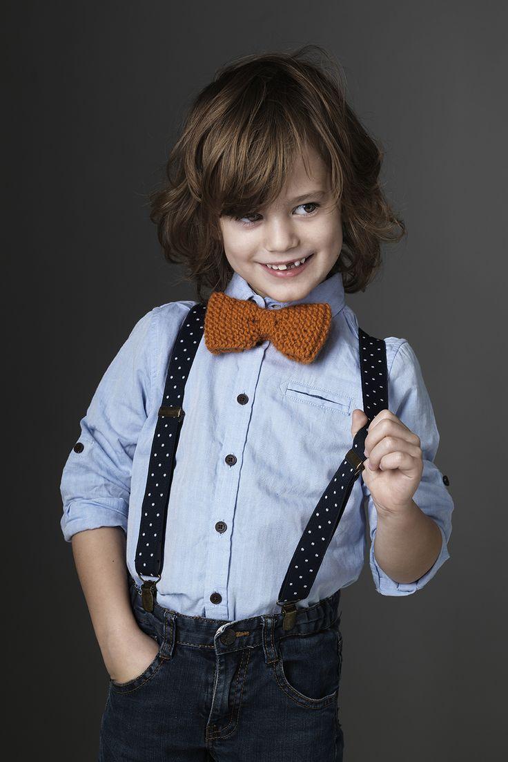 Fancy bow tie www.pandurohobby.com  Panduro #knitting #DIY #knit #yarn