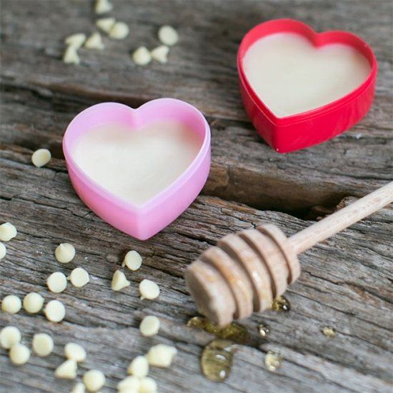 Honey lip balm recipe & how to take care of chapped lips