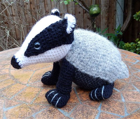Bradley the Badger, Amigurumi Crochet Pattern.