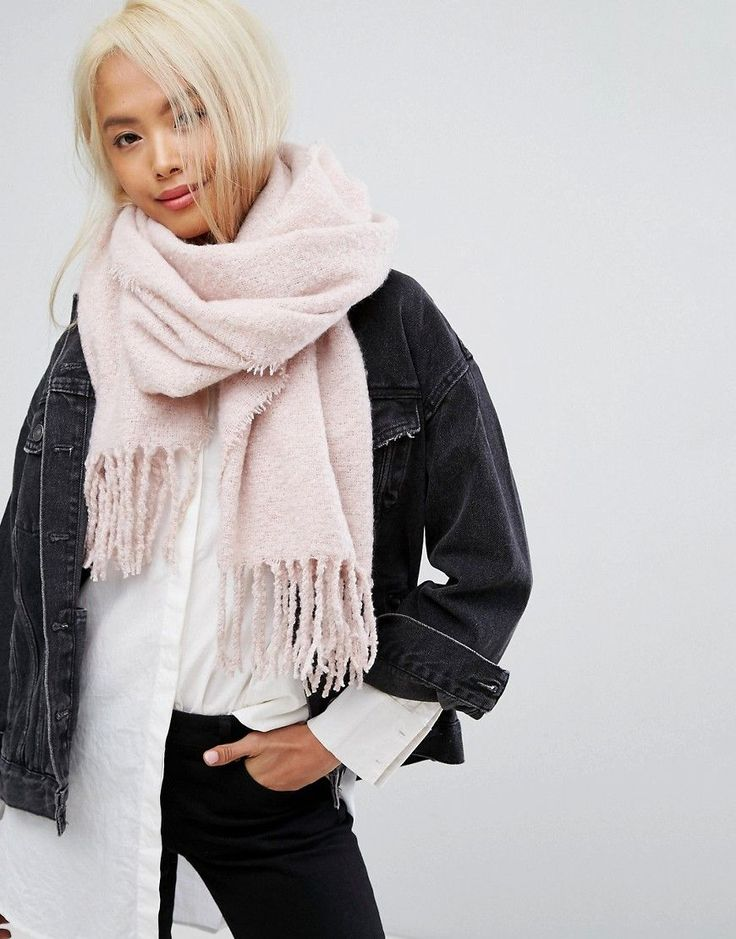 Stitch & Pieces Boucle Knitted Scarf with Tassles in Blush Pink - Pink
