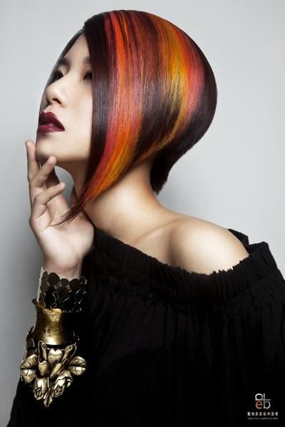 color-blocked hair- asymmetrical bob