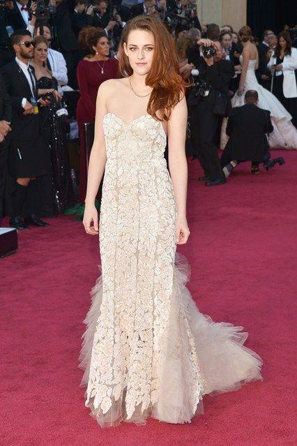 Kristen Stewert  Oscar Dresses 2013