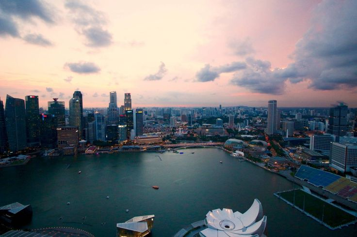 My Top 10 Things To Do In Singapore... A city-state that became independent from the British in 1965, Singapore is a contemporary cosmopolitan hub, and one of the world's leading economic centres in shipping and banking. Given that it has reputation for big business and its continual use of capital punishment, you might be forgiven for thinking that Singapore is a sterile, police state. However, that reputation couldn't be more wrong...