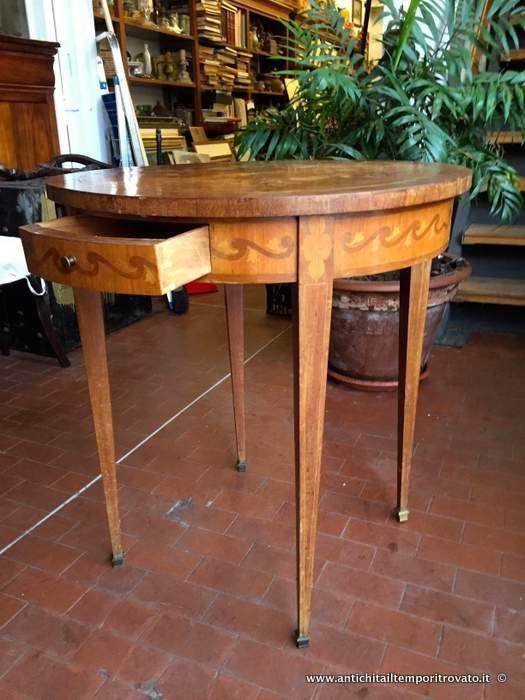 Mobili antichi - Tavoli e tavolini Antico tavolino totindo intarsiato - Tavolino rotondo con intarsi floreali Immagine n°1