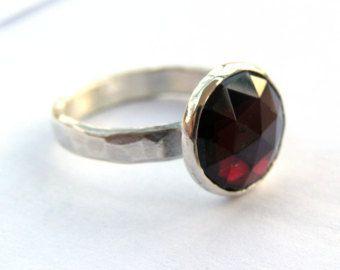 Anillo granate, anillo de plata, anillo rojo, anillo de piedra, venta vacaciones anillo, - a la orden, anillo de la niña, regalo