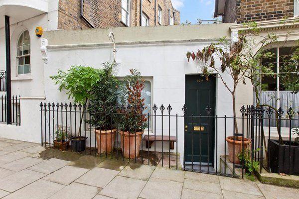 À Londres, la plus petite maison individuelle du monde se vend au prix fort !