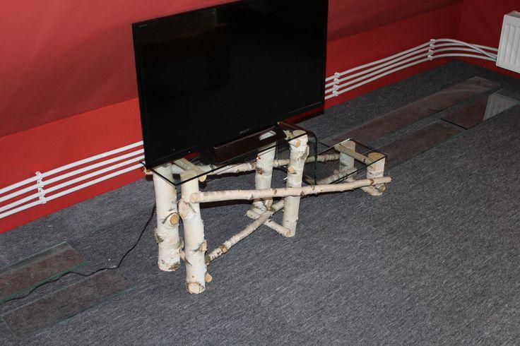üvegpolcos tv állvány nyírfából