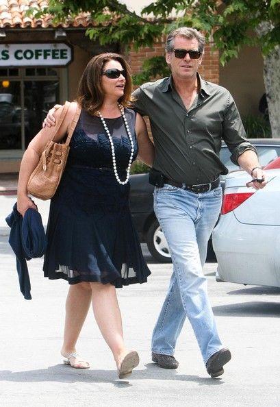 Pierce Brosnan and Keely Shaye Smith Photos Photos - Pierce Brosnan And Wife Keely Shaye Smith Out In Malibu - Zimbio