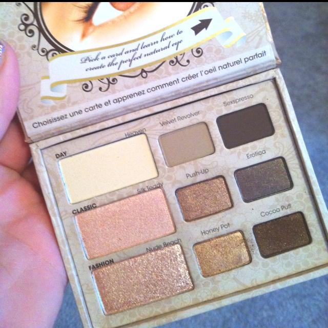 New eye shadow palet in love :)