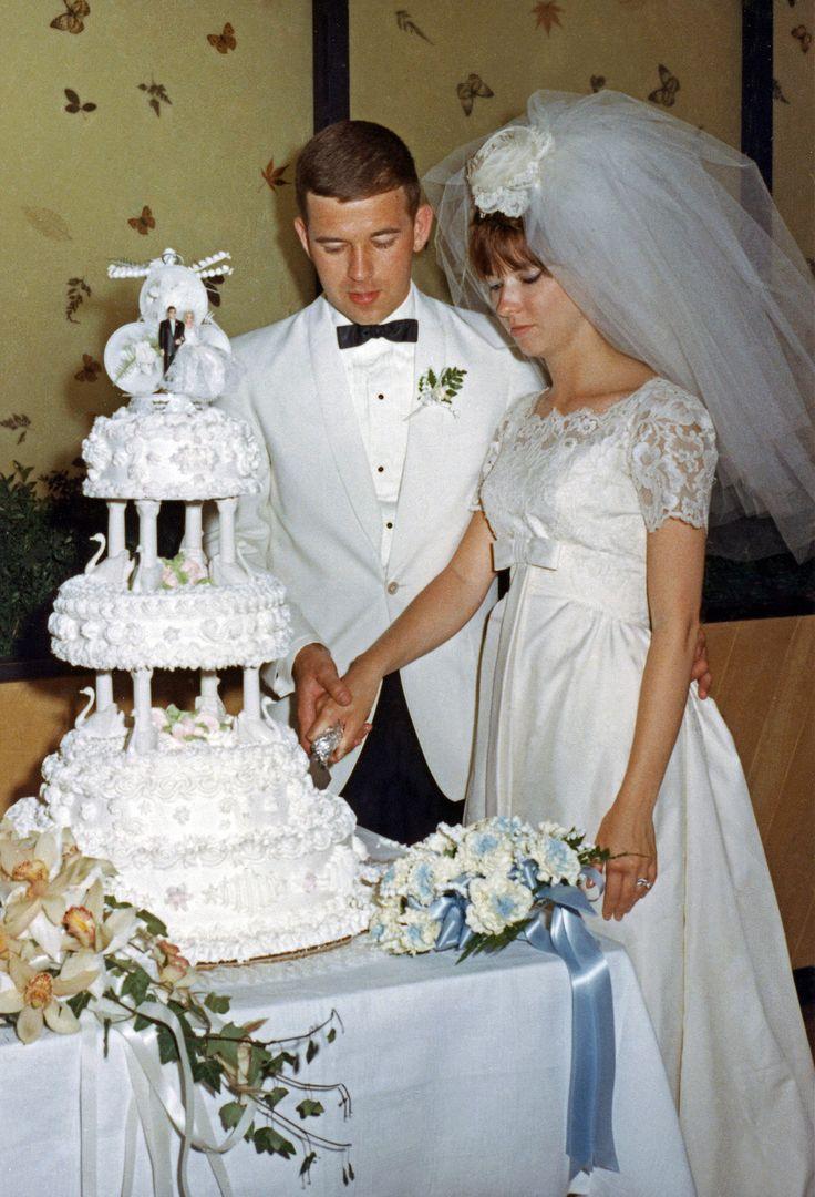 1440-Bob & Sue cutting wedding cake 1 | by smlatko