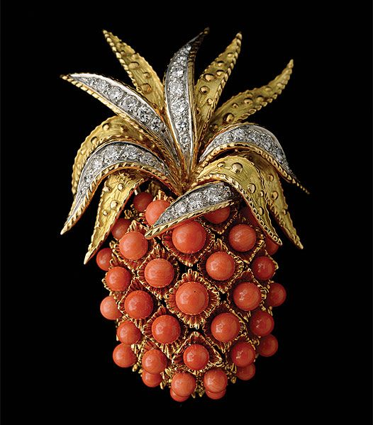 CARTIER CORAL, DIAMOND, 18K YELLOW GOLD PINEAPPLE BROOCH,