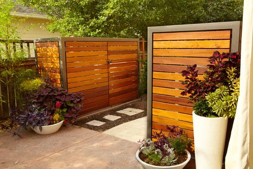 Plastic Trash Can Privacy Fence