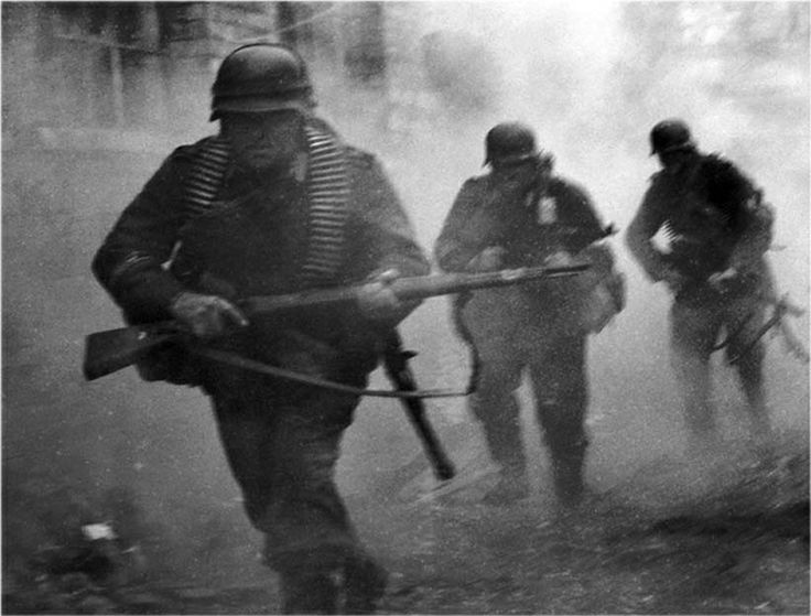 Angriff!! German Infantry attacking…Russia,1941 Operation Barbarossa