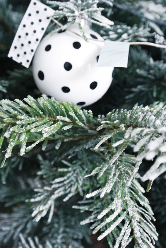 black and white dots ornament