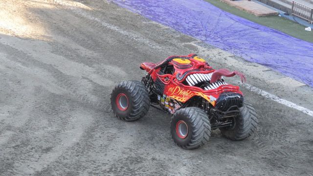 Monster Jam Madrid Show y Pit Party