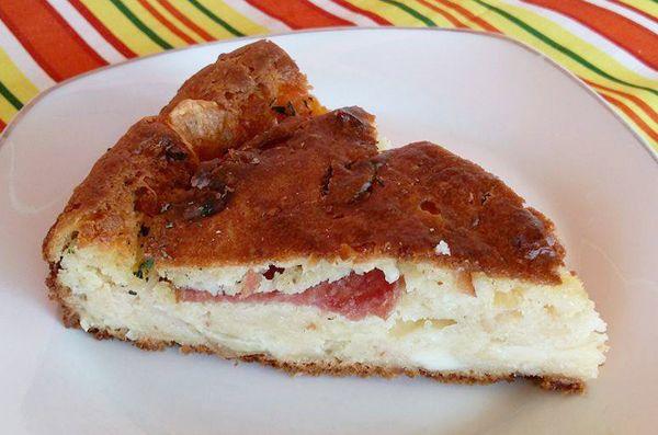 Γρήγορη τυρόπιτα με αλλαντικά. Με ότι έχουμε από τυριά κι αλλαντικά.... φτιάχνουμε μια γρήγορη και γευστική πίτα να απολαύσουμε κάθε ώρα της ημέρας!