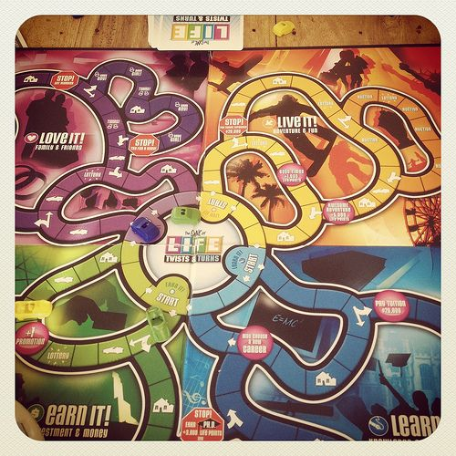 Game Of Life Board GameGames Of Life, Tops Games, Boards Games, Board Games, The Games, Plays Boards, Life Boards