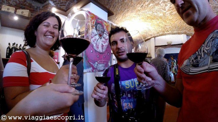 Festa dell'Uva, brindisi   http://www.viaggiaescopri.it/festa-delluva-gattinara-citta-vino/