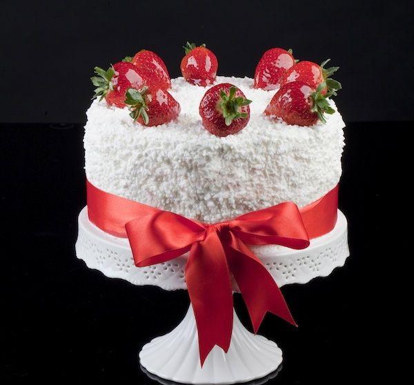 """Torta """"Fiore di Fragola"""" firmata Renato Ardovino. (Strawberry cake-Italian)"""