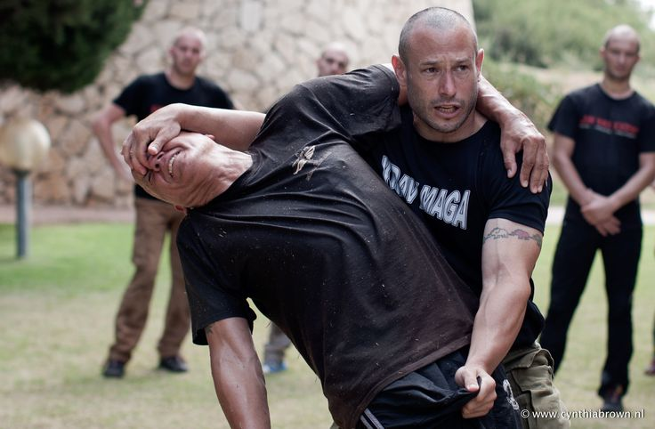 Krav Maga ! Lior Offenbach, 1st Instructor of CombatKM . Pic made in Israël 06-2013.