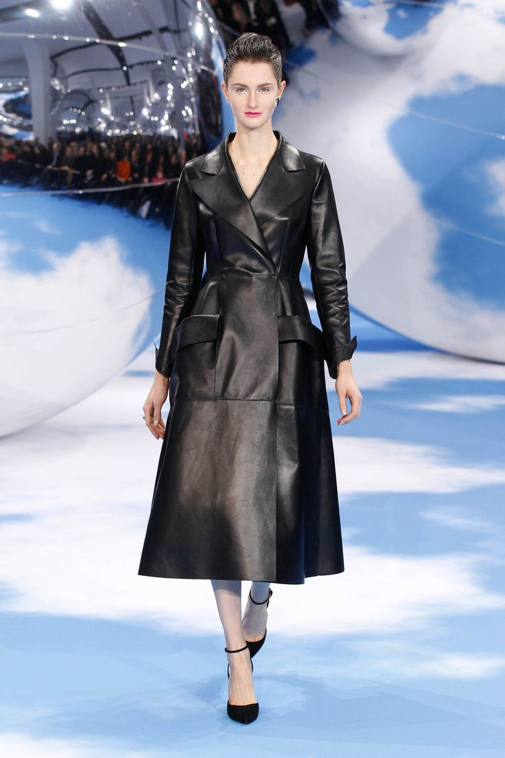 [Dior Autumn-Winter 2013 Ready-to-Wear – Look 16: black double face leather 'Doris 1947' coat]