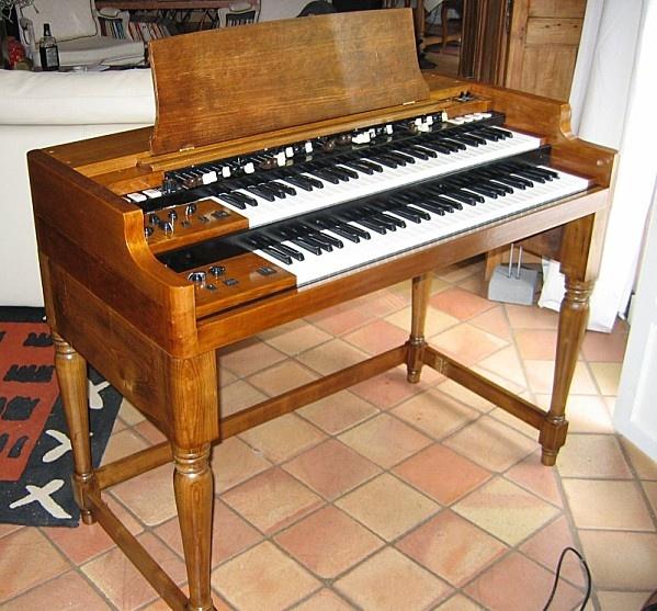 Hammond B3 organ clone.