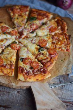 Pizza Grundrezept – knusprig | Das Knusperstübchen