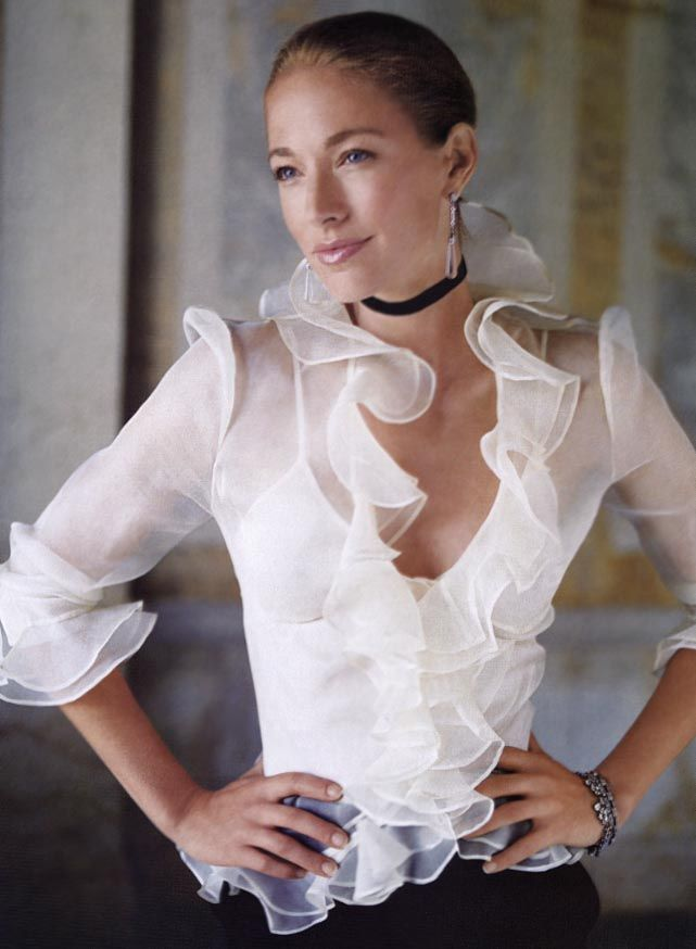 Classic ruffles ~ Colette Le Mason @}-,-;---