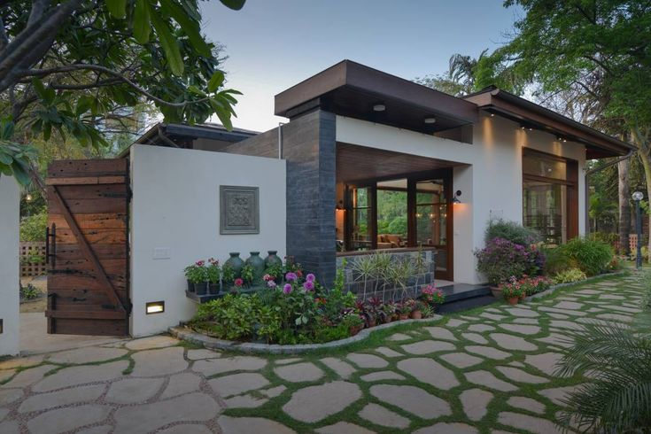 A small entrance garden can be a stunning way to greet…