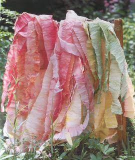 Crêpepapier (ver)kleuren. van katoen en zo: Rozen van crêpepapier