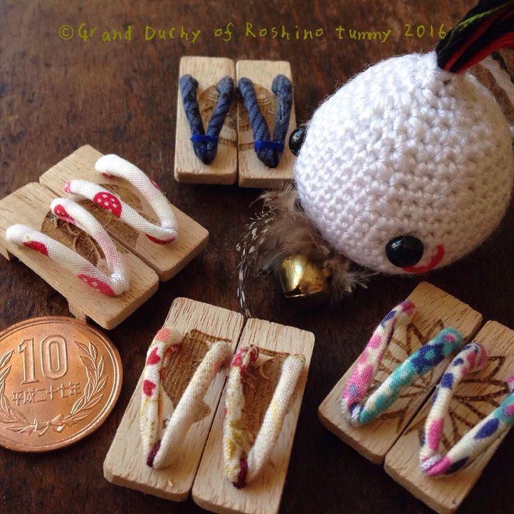 焼き模様を入れた木は下駄の台だったのです  The branded wooden board was the base board for Japanese geta shoes.  #amigurumi #handmade #crochet #creative #wooden #wood #craft #lasercut #brand #branded #geta #Japana #Roshino #Roshinotummy #kawaii #cute #artisan #あみぐるみ #編みぐるみ #ハンドメイド #かぎ編み #木材 #焼印 #レーザーカット #ロシーノ #かわいい #手作り #クラフト #下駄 by roshino041103