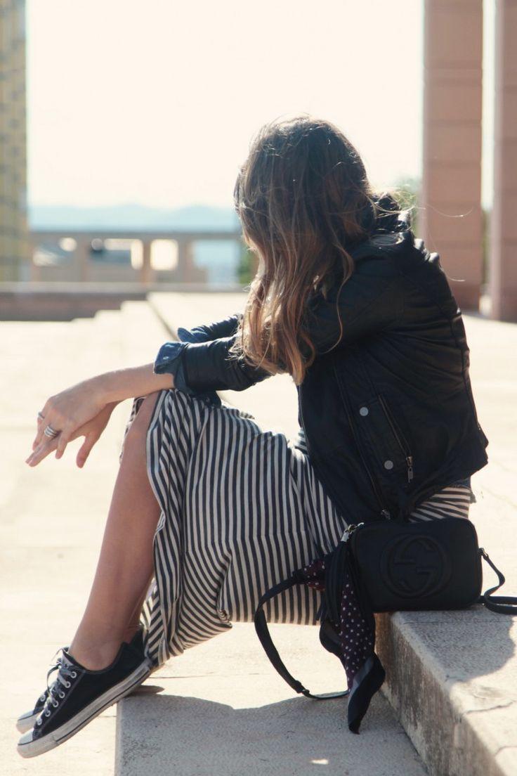 . Vestido / Dress: Scee by Twin Set via GIRISSIMA  . Cazadora / Leather jacket: Zara  . Bolso / Bag: Gucci . Zapatillas: Converse  . Pañuelo / Scarf: The Kooples