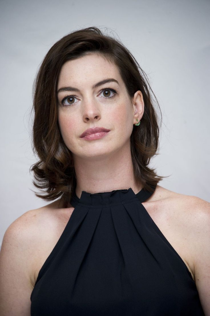 """Aug 29   """"The Intern"""" New York Photocall - HQ 025 - Anne Hathaway Source"""