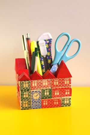 Como fazer um porta-lápis divertido com bloquinhos de madeira - DIY - Faça você mesmo