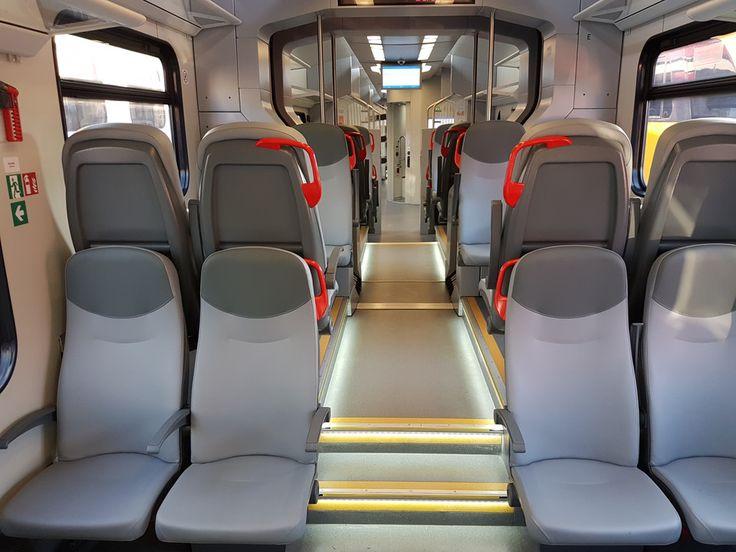 Pociągi są wyposażone w wi-fi, klimatyzację, gniazdka elektryczne i monitory systemu informacji pasażerskiej.