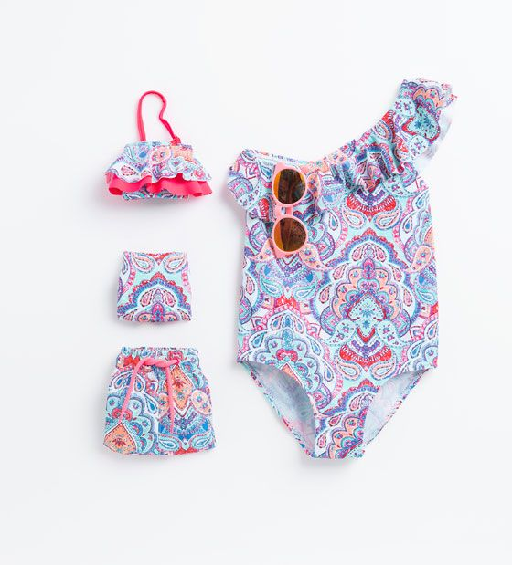 Bañadores, bikinis y accesorios | NIÑA | ZARA España